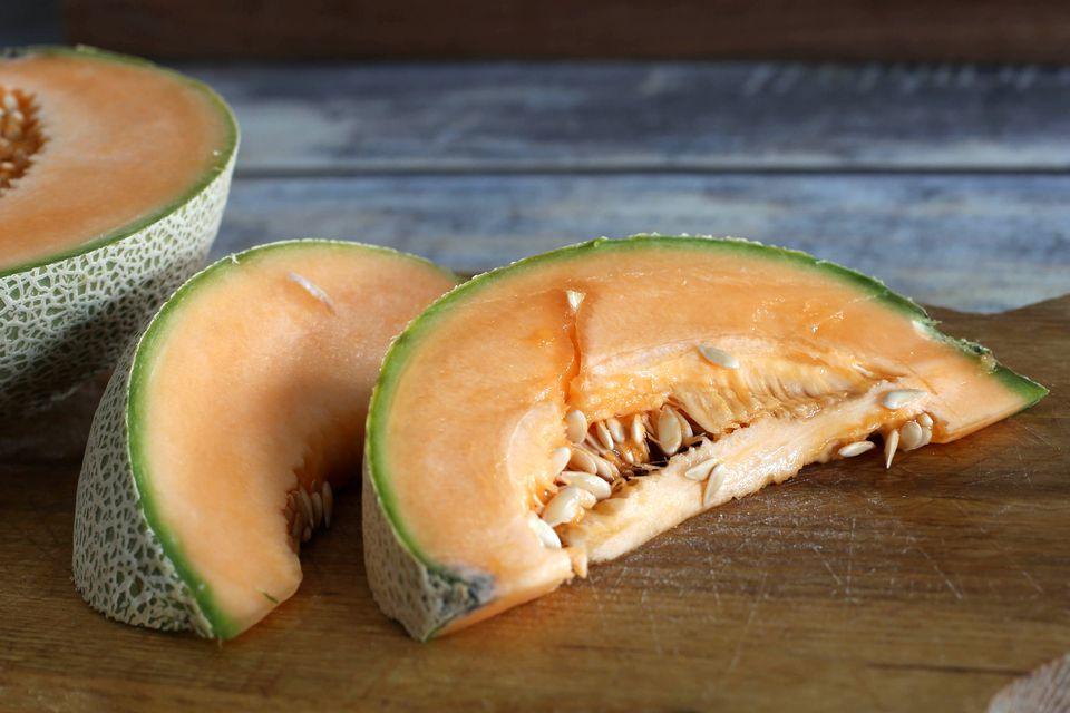 Slices of fresh cantaloupe