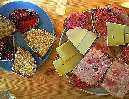 Butterbrot with cured meats and cheese