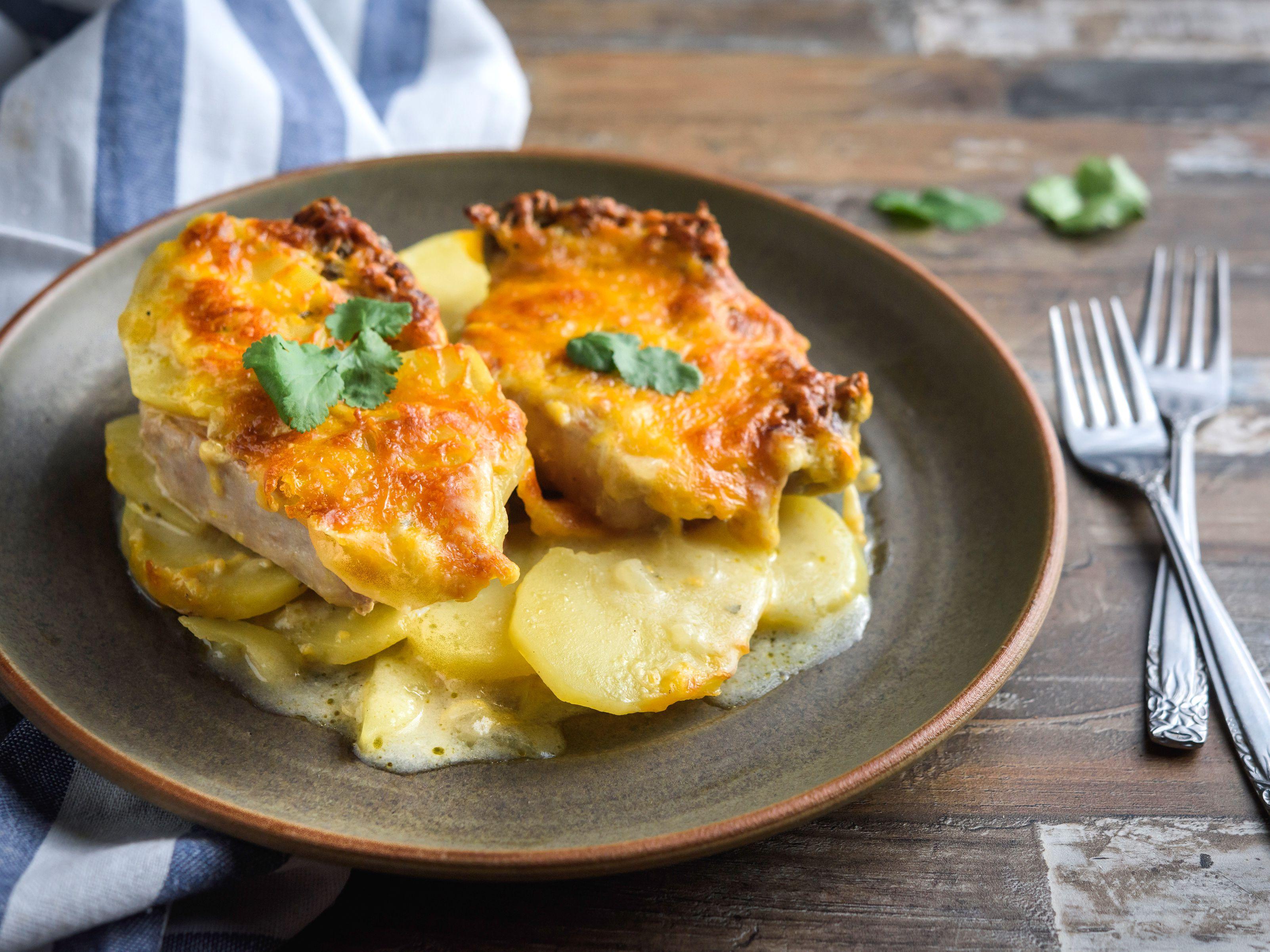 pork chop casserole recipe ideas Easy Pork Chop Casserole With Cheese and Potatoes
