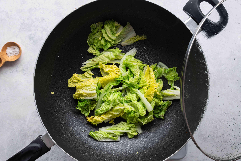 Stir-fry the suey choy