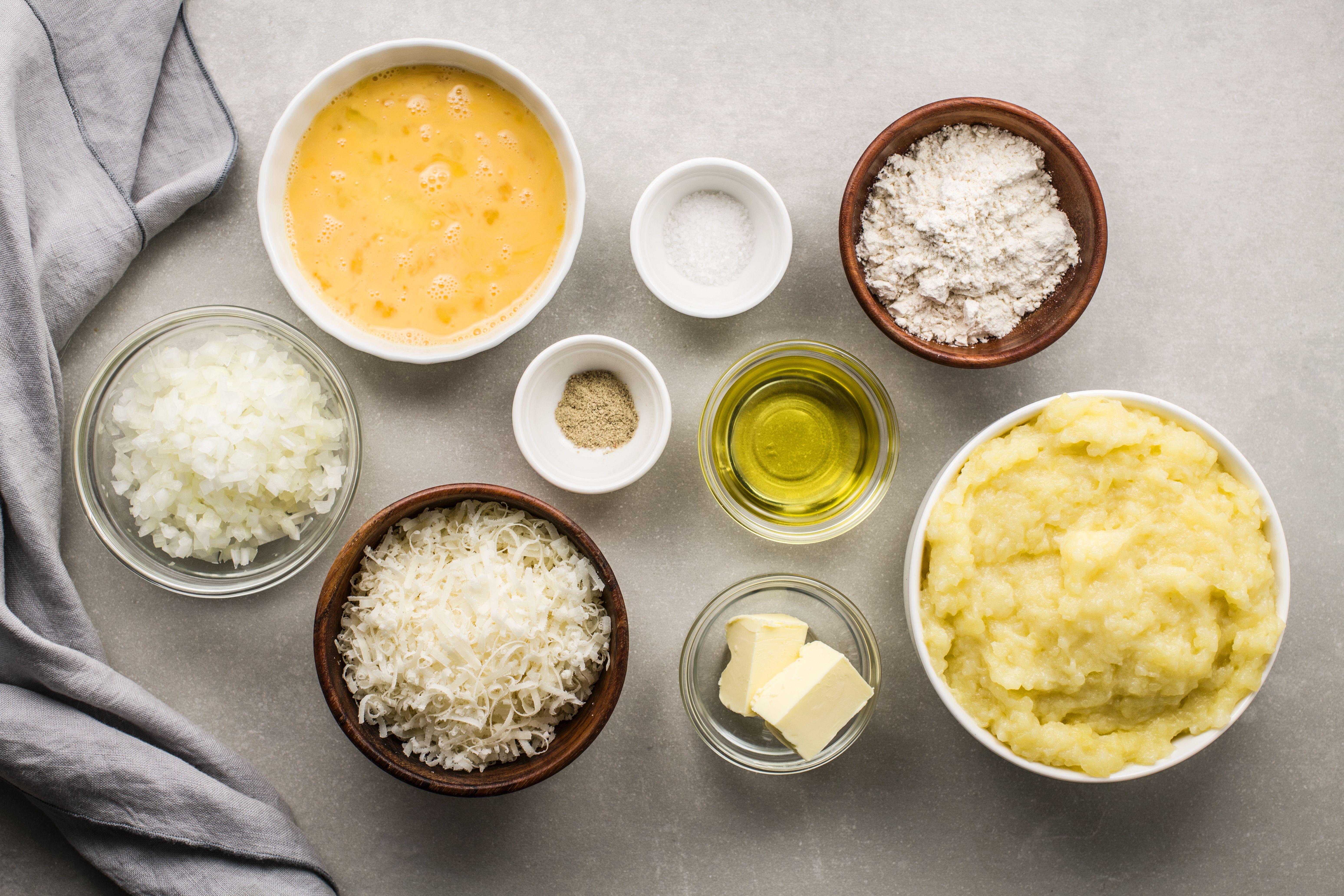 Ingredients for crispy potato patties
