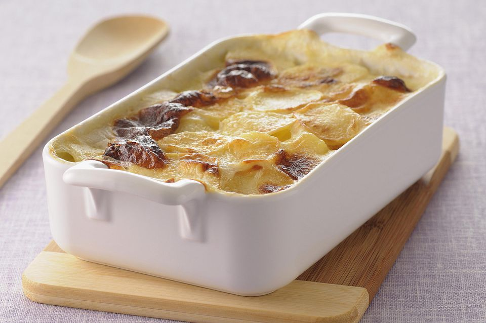 Cheese potato bacon gratin