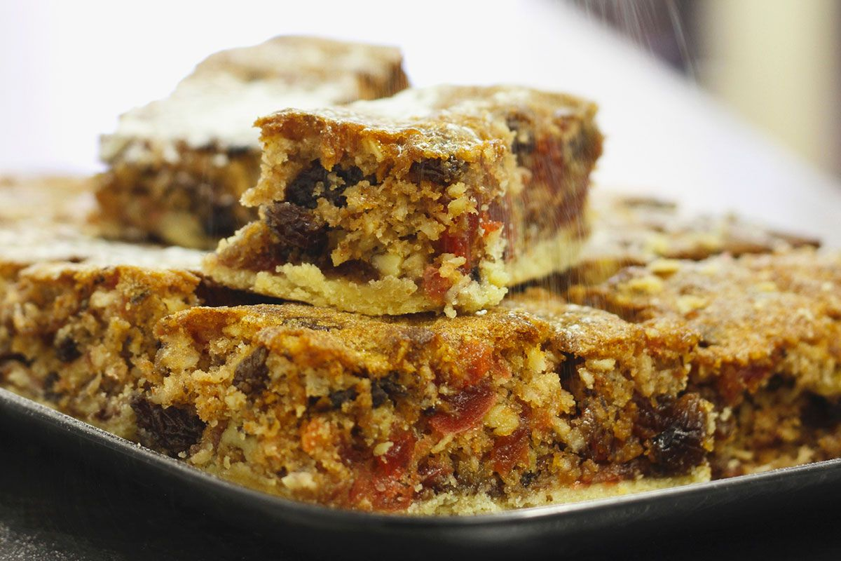 Steamed Christmas Fruitcake Recipe for the Slow Cooker