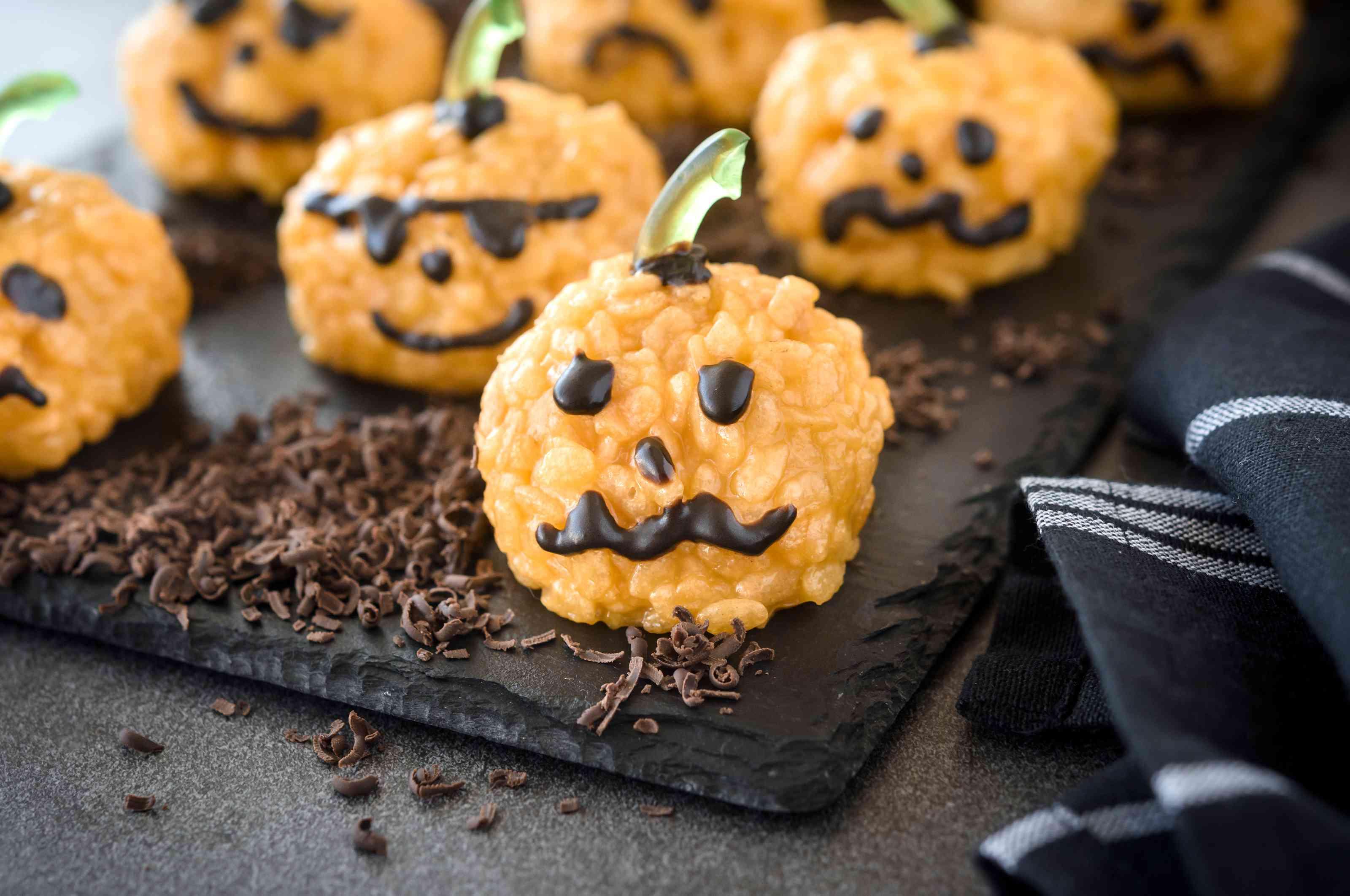 Pumpkin rice crispy treats