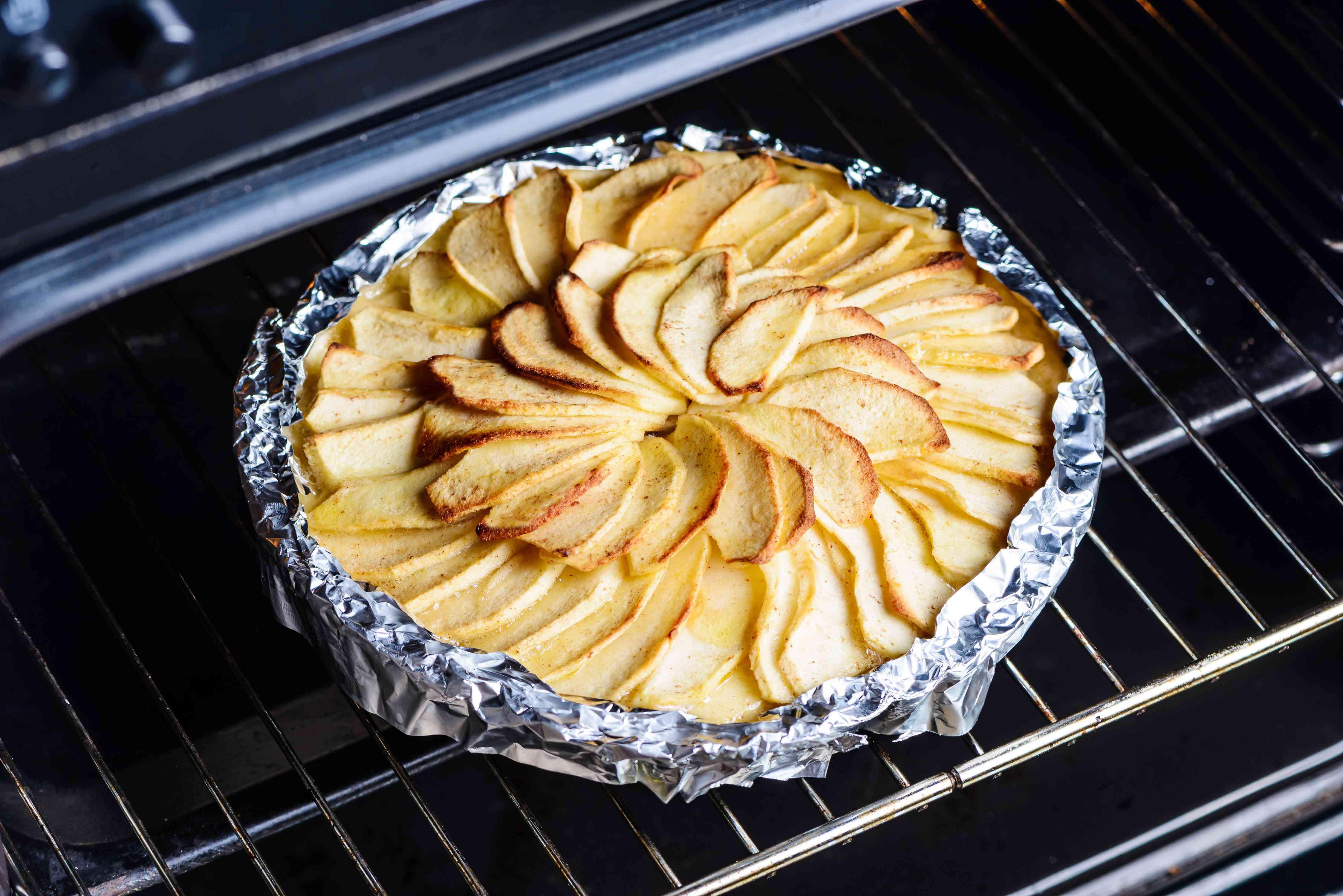 Bake the tart