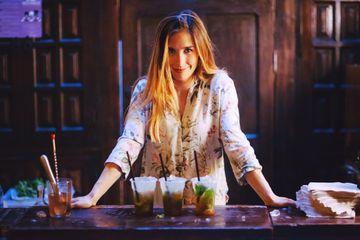 woman preparing drinks