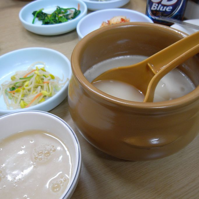 What Is Korean Rice Wine Makkoli