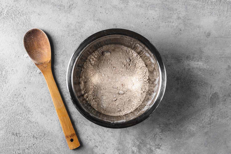 lour, brown sugar, granulated sugar, baking powder, cinnamon, nutmeg, and salt in a bowl