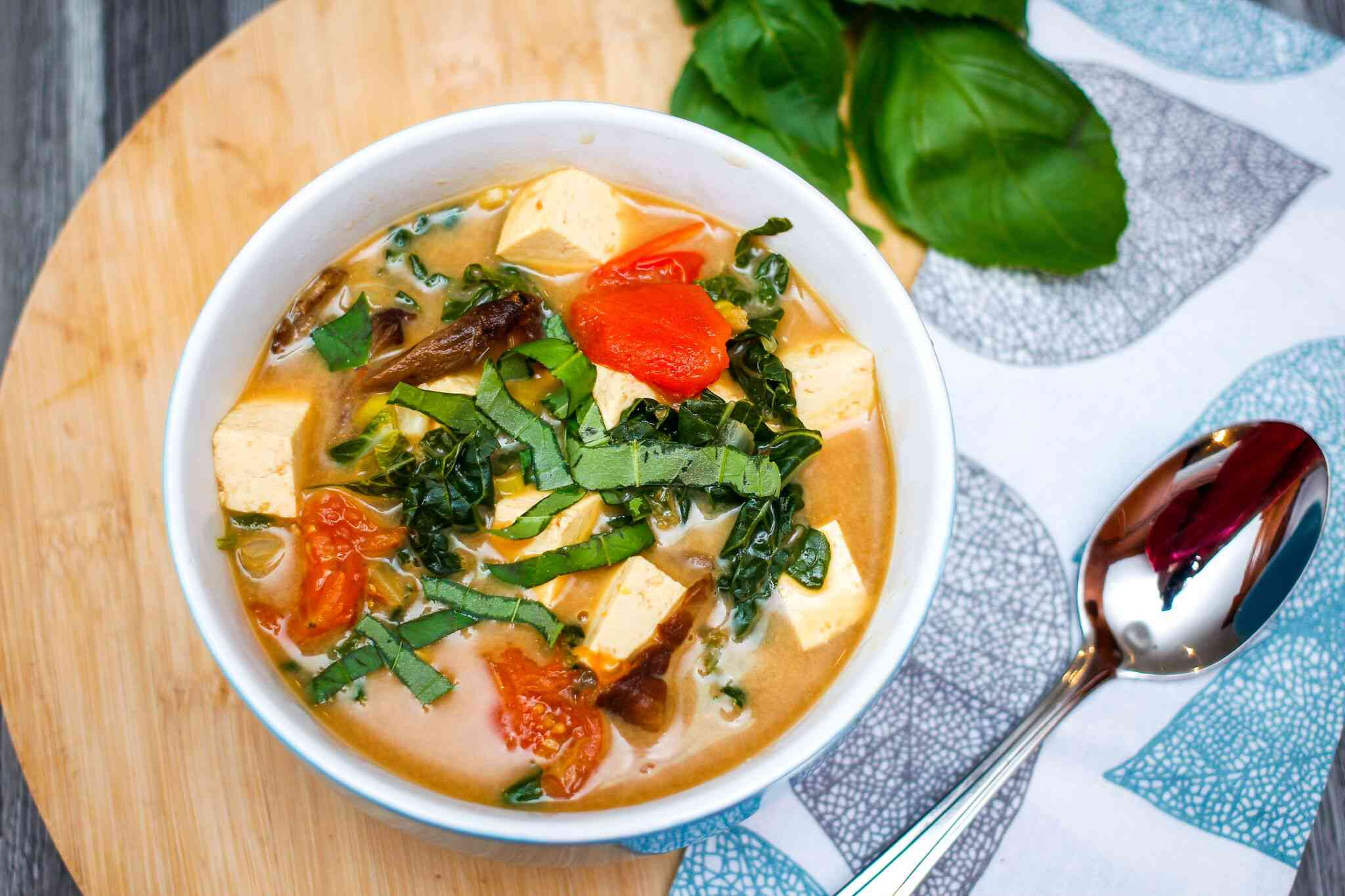 Easy Vegetarian Tom Yum Soup Recipe
