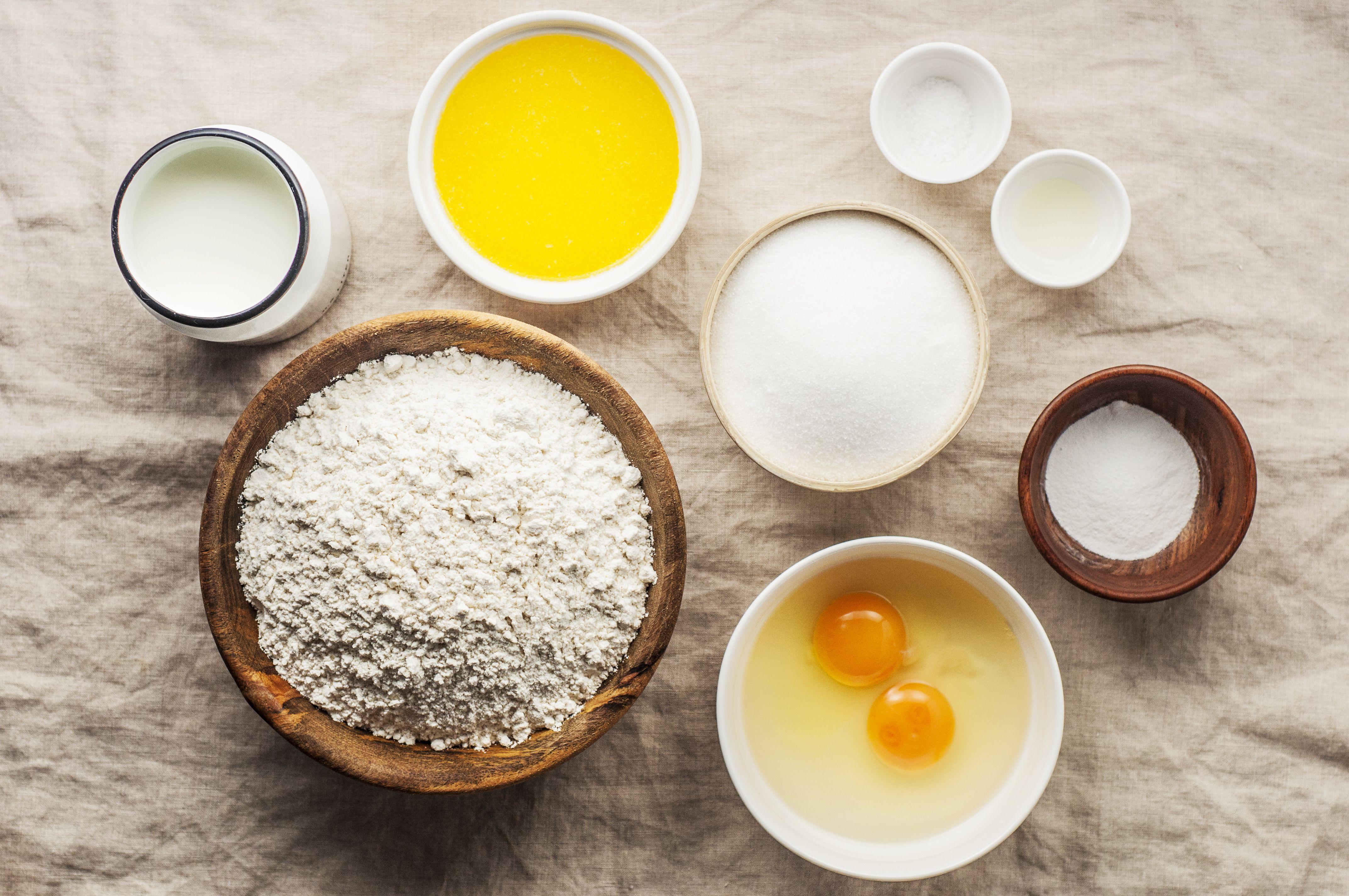 Ingredients for vanilla muffins
