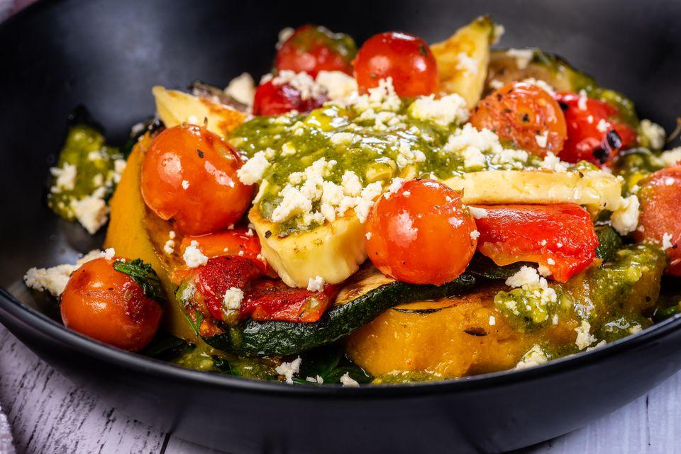Ensalada de verduras mediterráneas a la parrilla