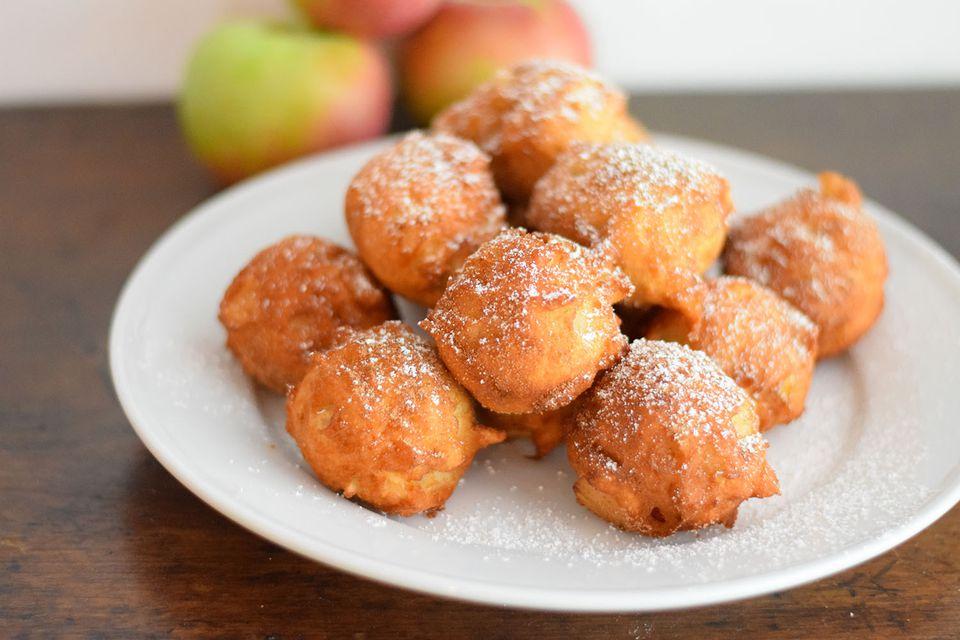 Buñuelos de manzana caliente