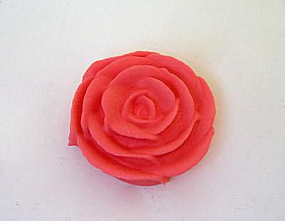 Frosting roses