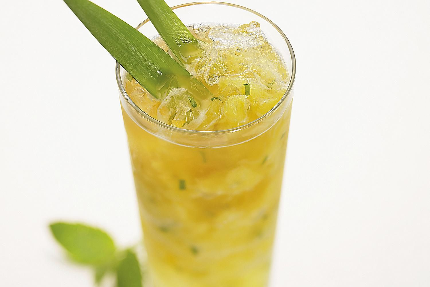 Easy Pineapple Mojito Cocktail
