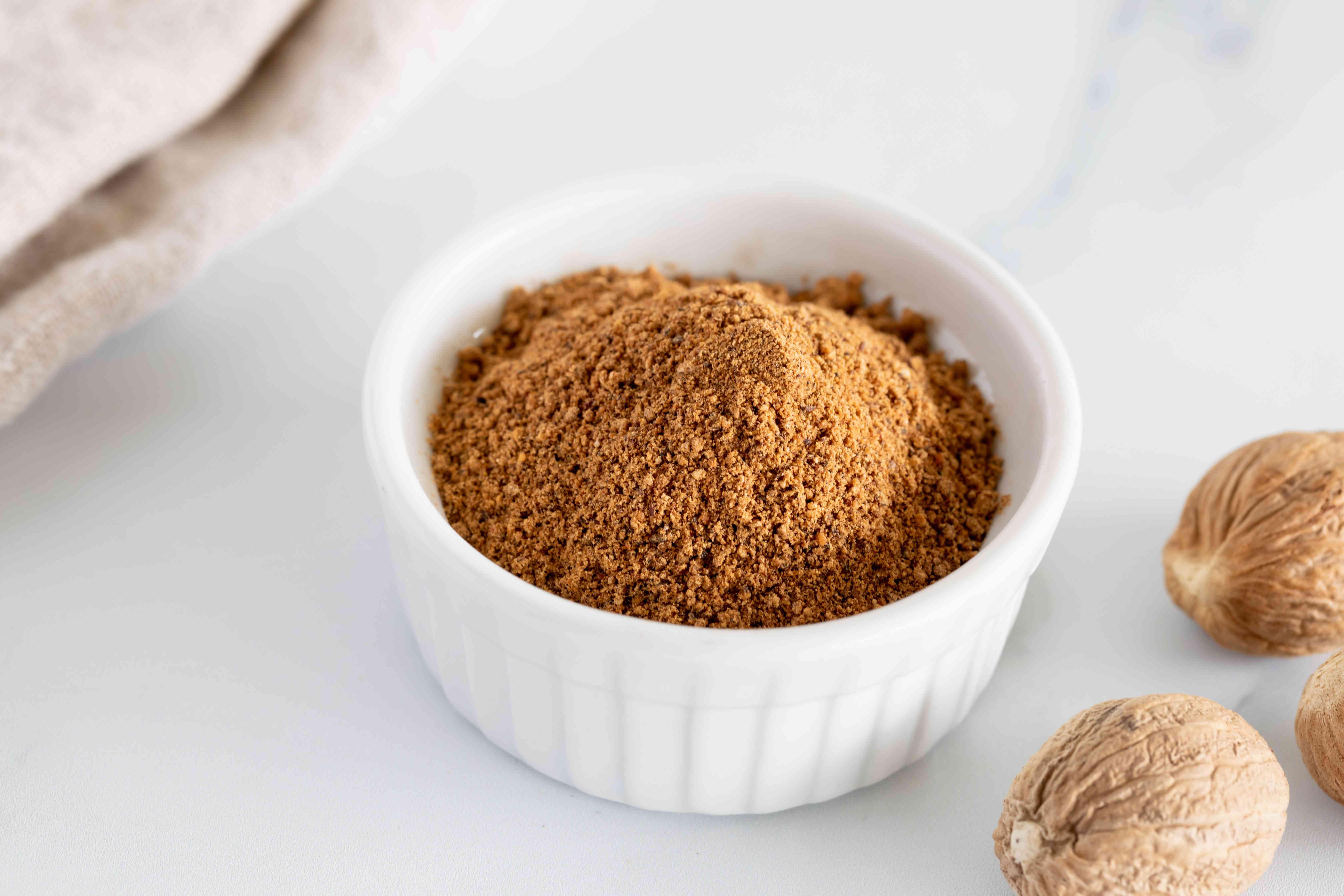 Whole vs ground nutmeg