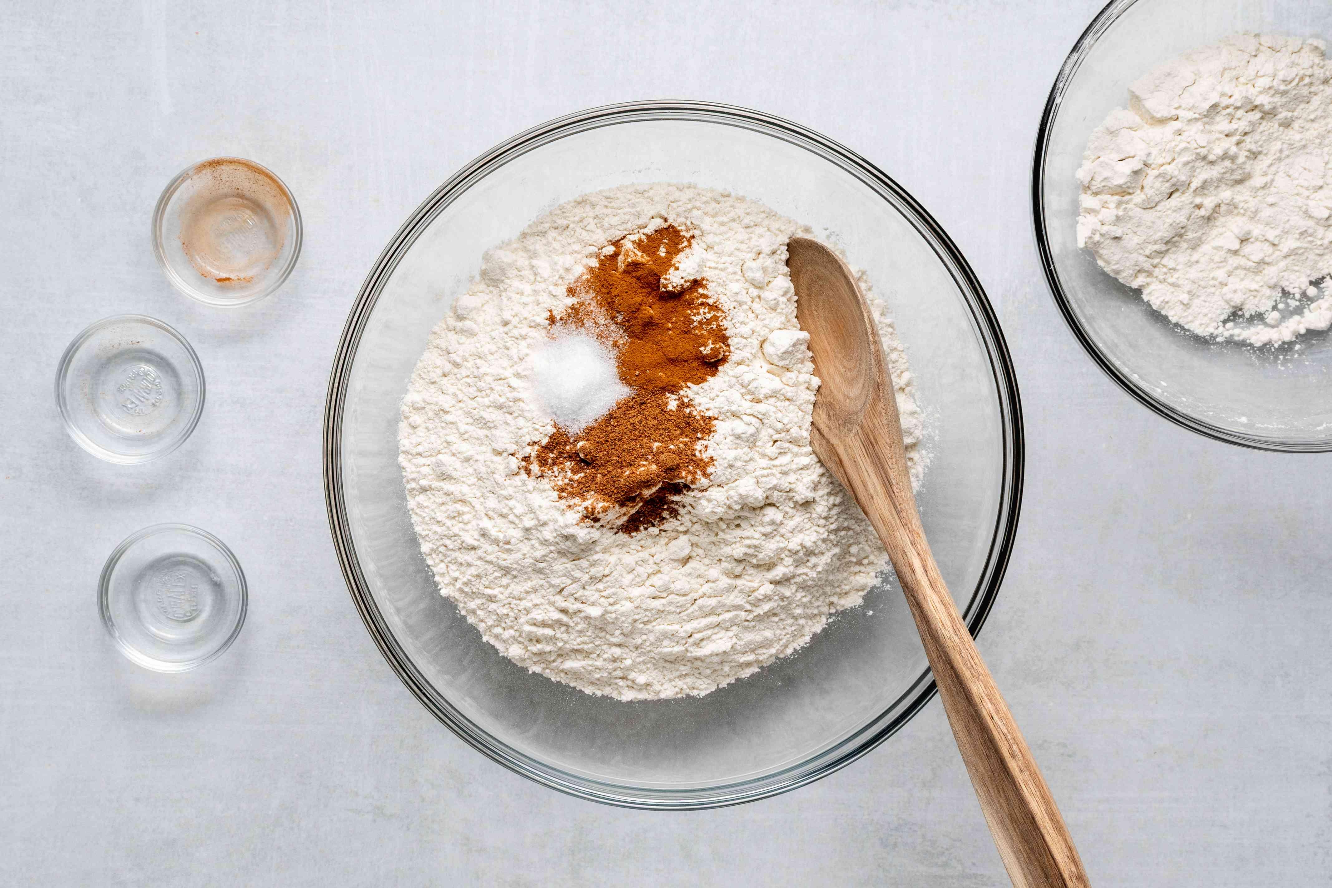flour, salt, cinnamon and nutmeg in a bowl