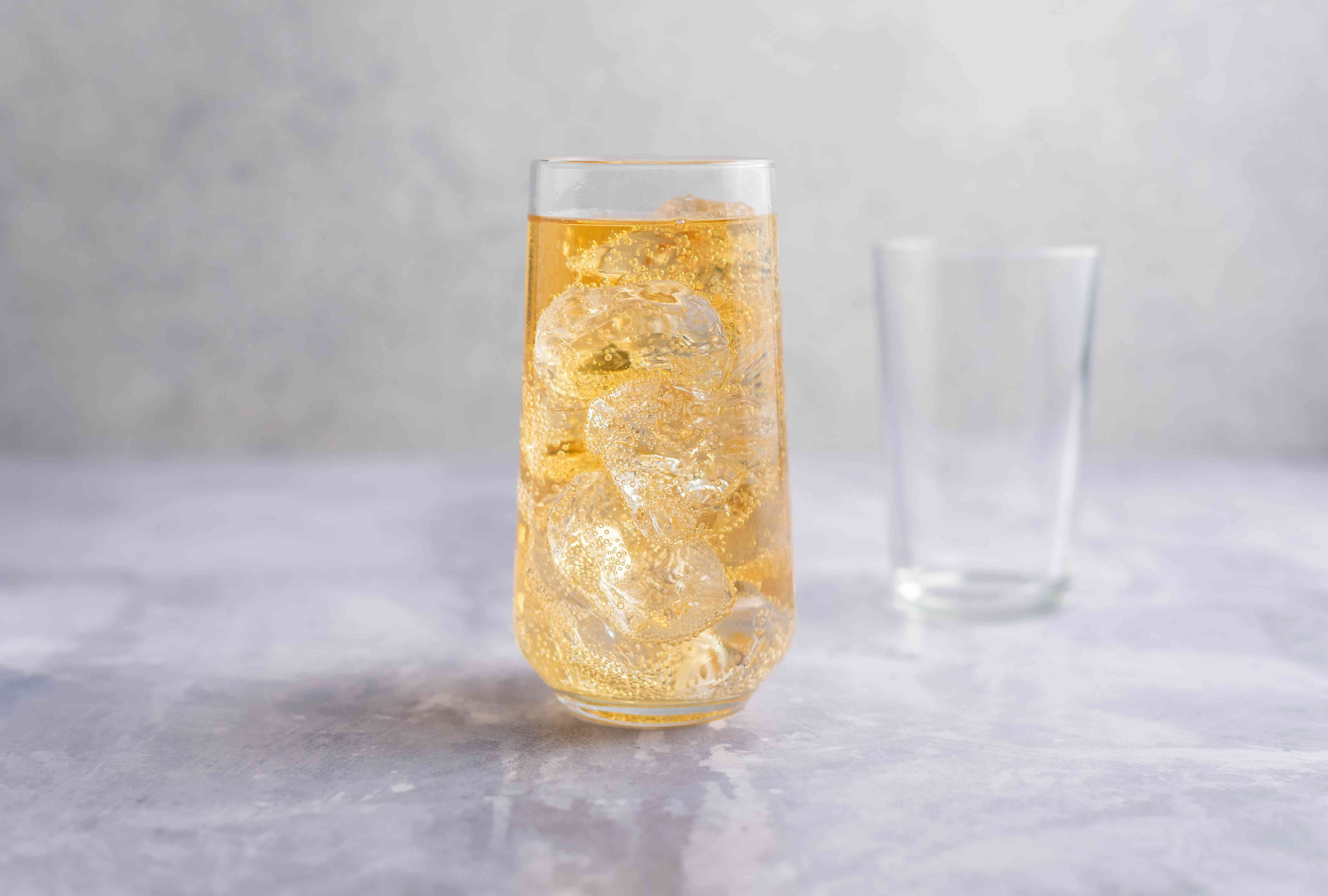 Whiskey topped with ginger ale