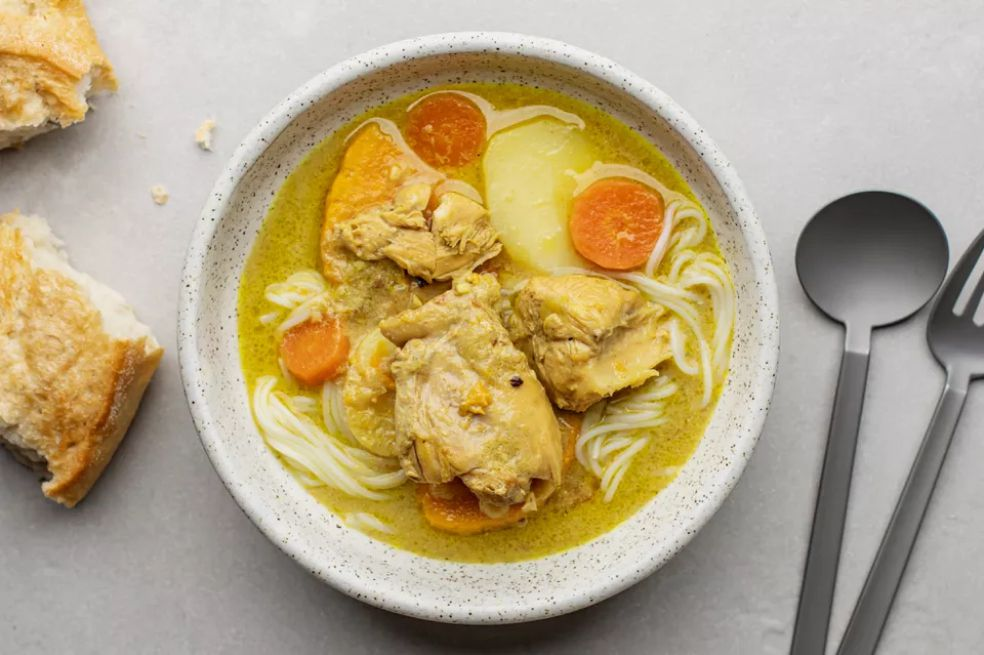 Vietnamese Coconut Chicken Curry