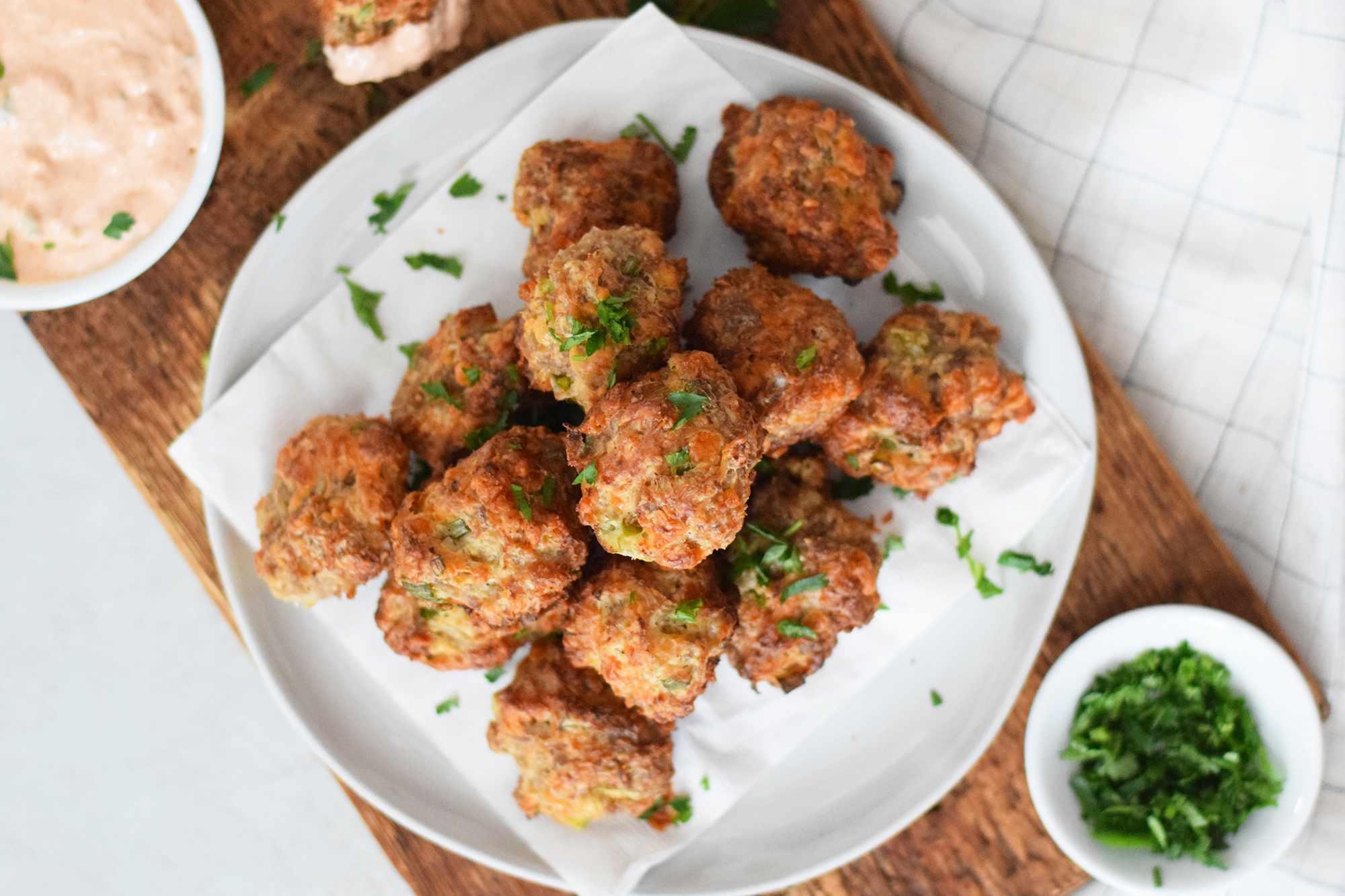 bisquick-sausage-balls-4778066-10