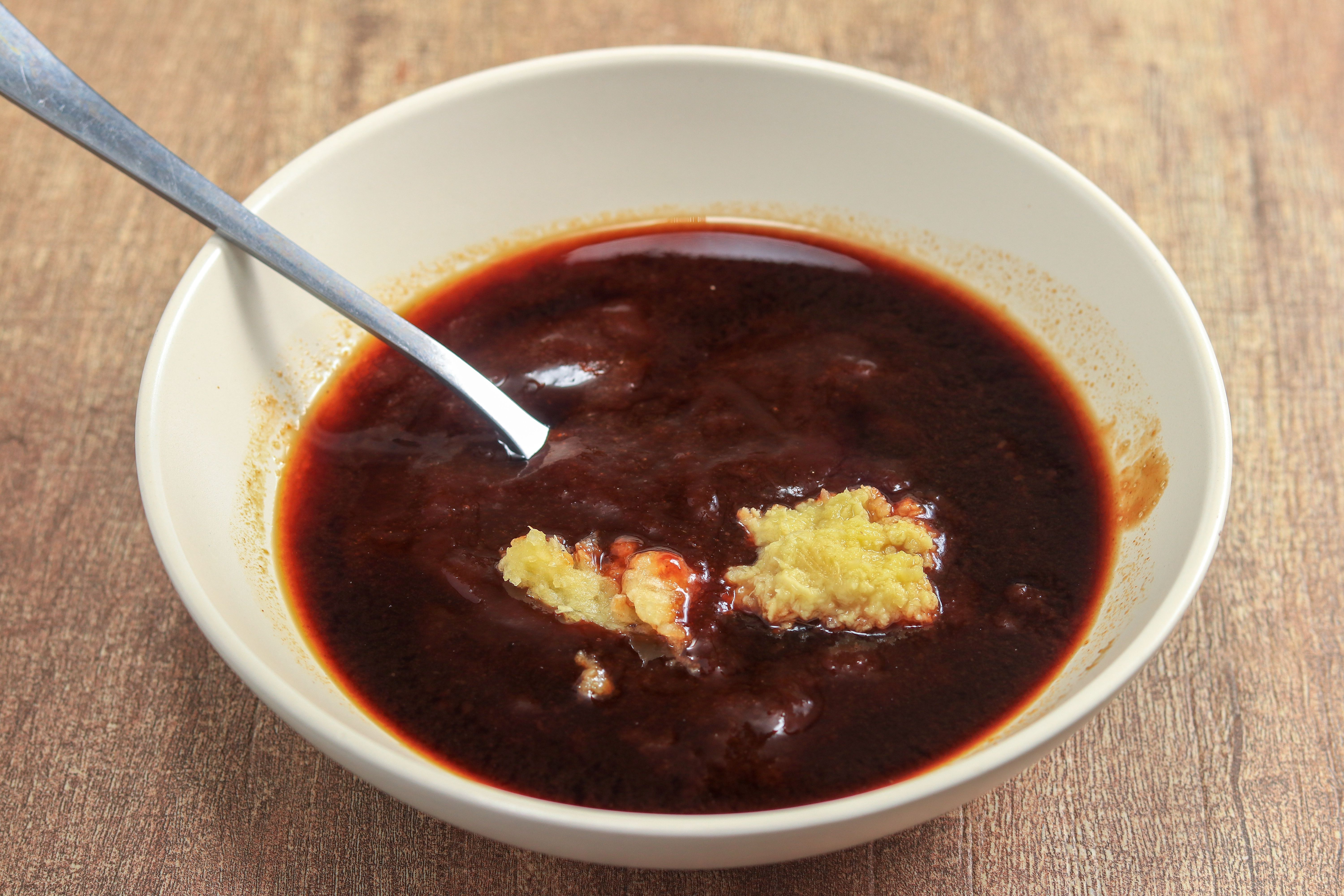 Barbecue sauce with garlic