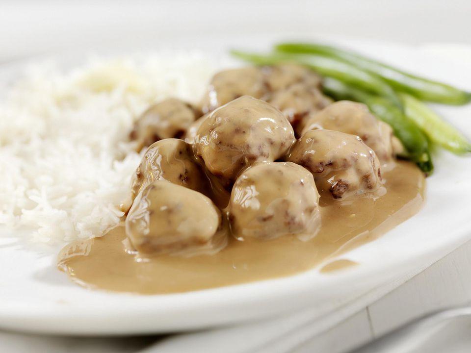 Crockpot Meatballs and Gravy
