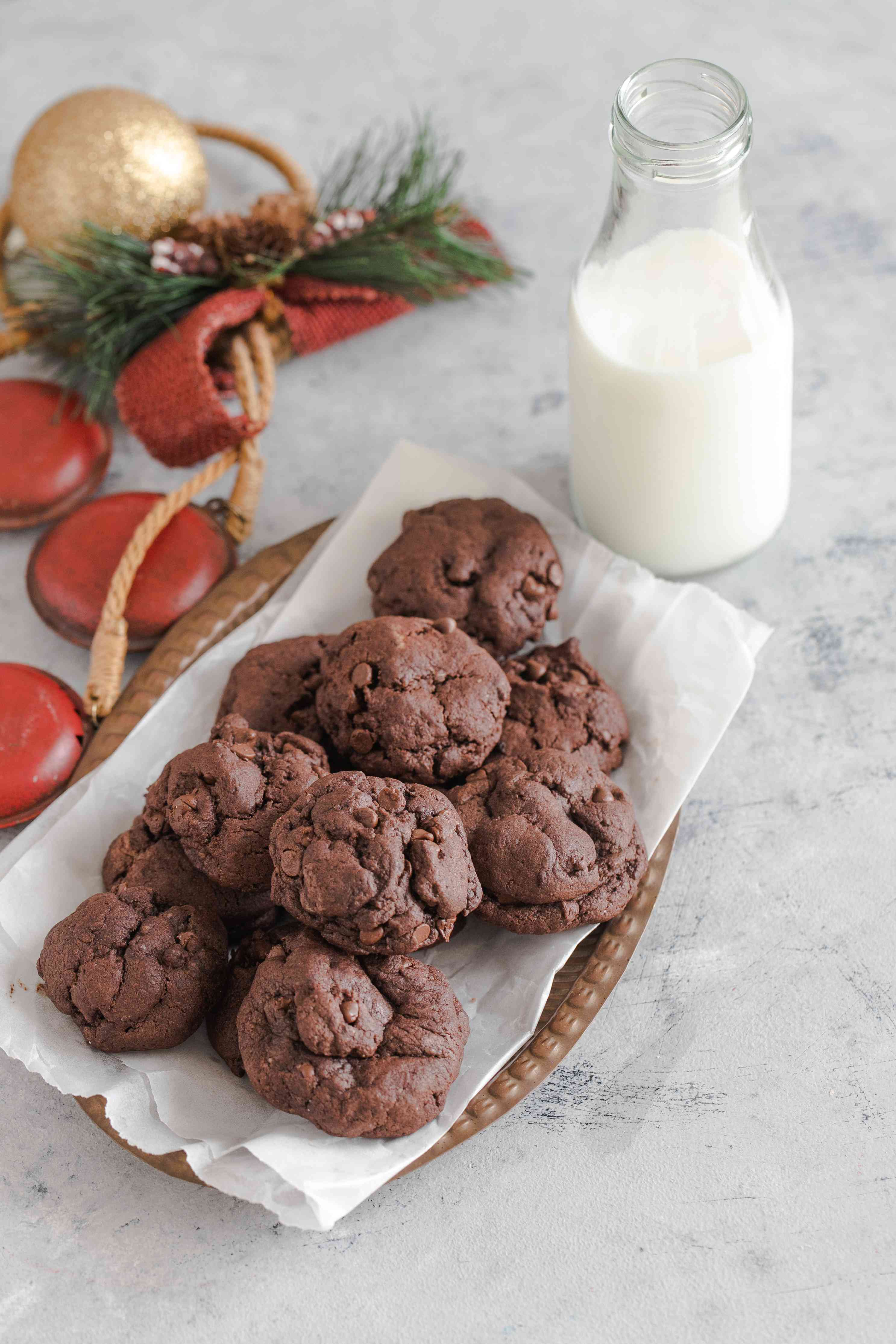 Low-fat double chocolate chip cookies recipe