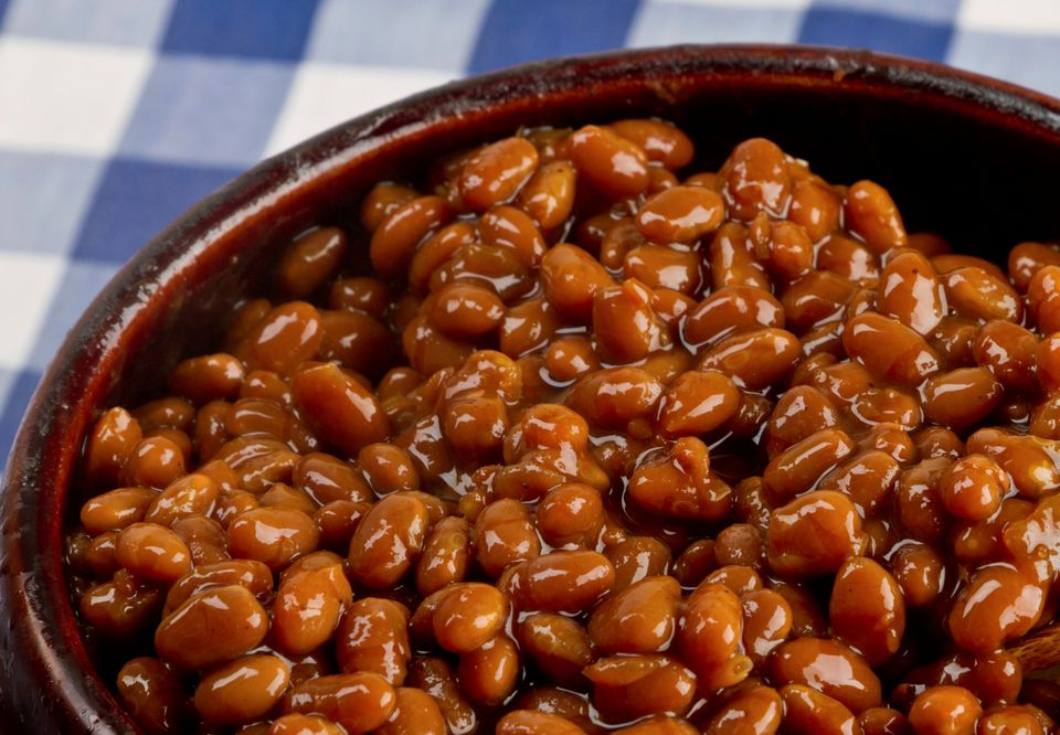 Vegetarian baked beans in the crock pot