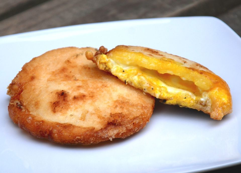 Corncake and Egg Breakfast Sandwich (Arepas con Huevo)