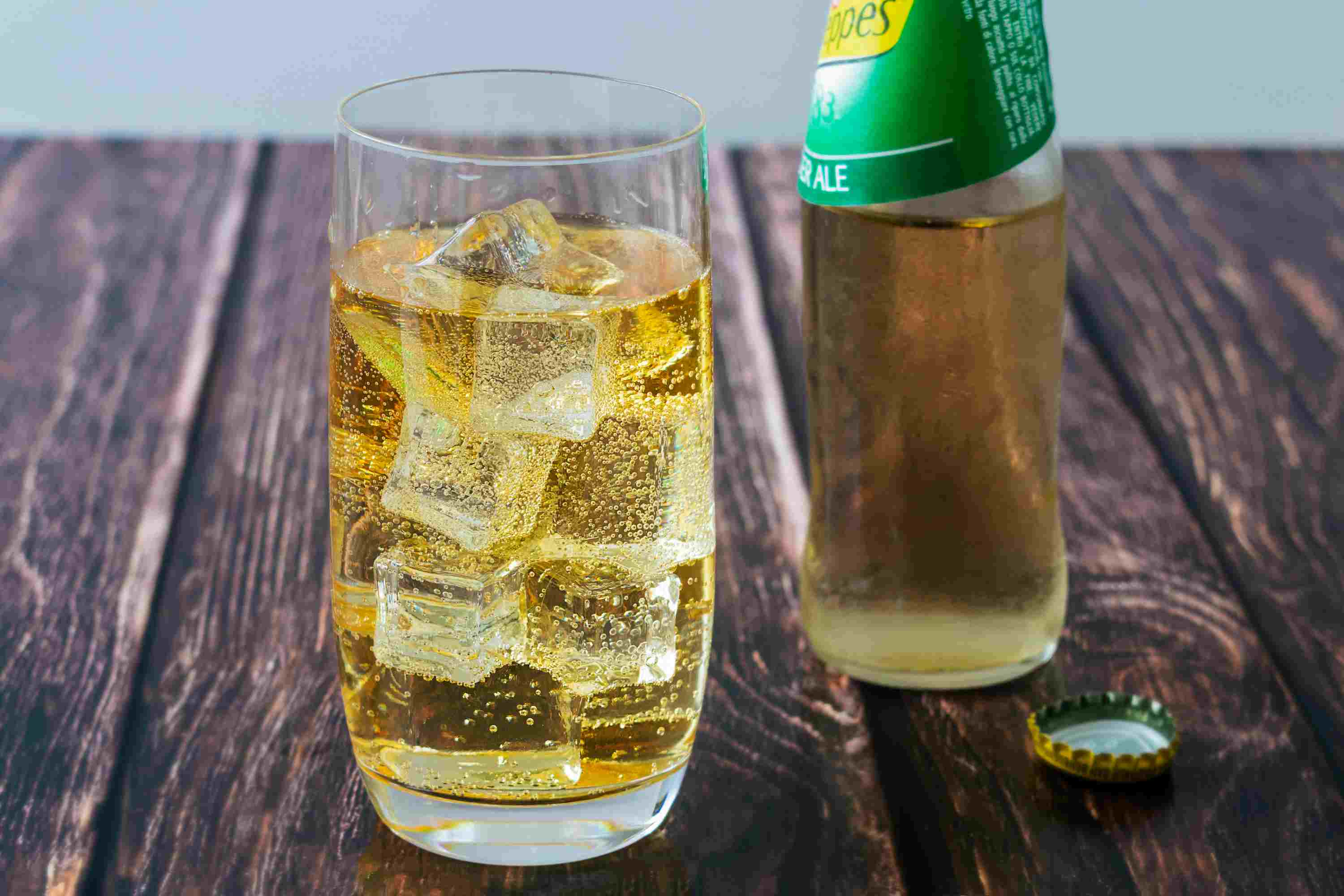 2 Great Irish Whiskey And Ginger Ale Or Beer Drinks