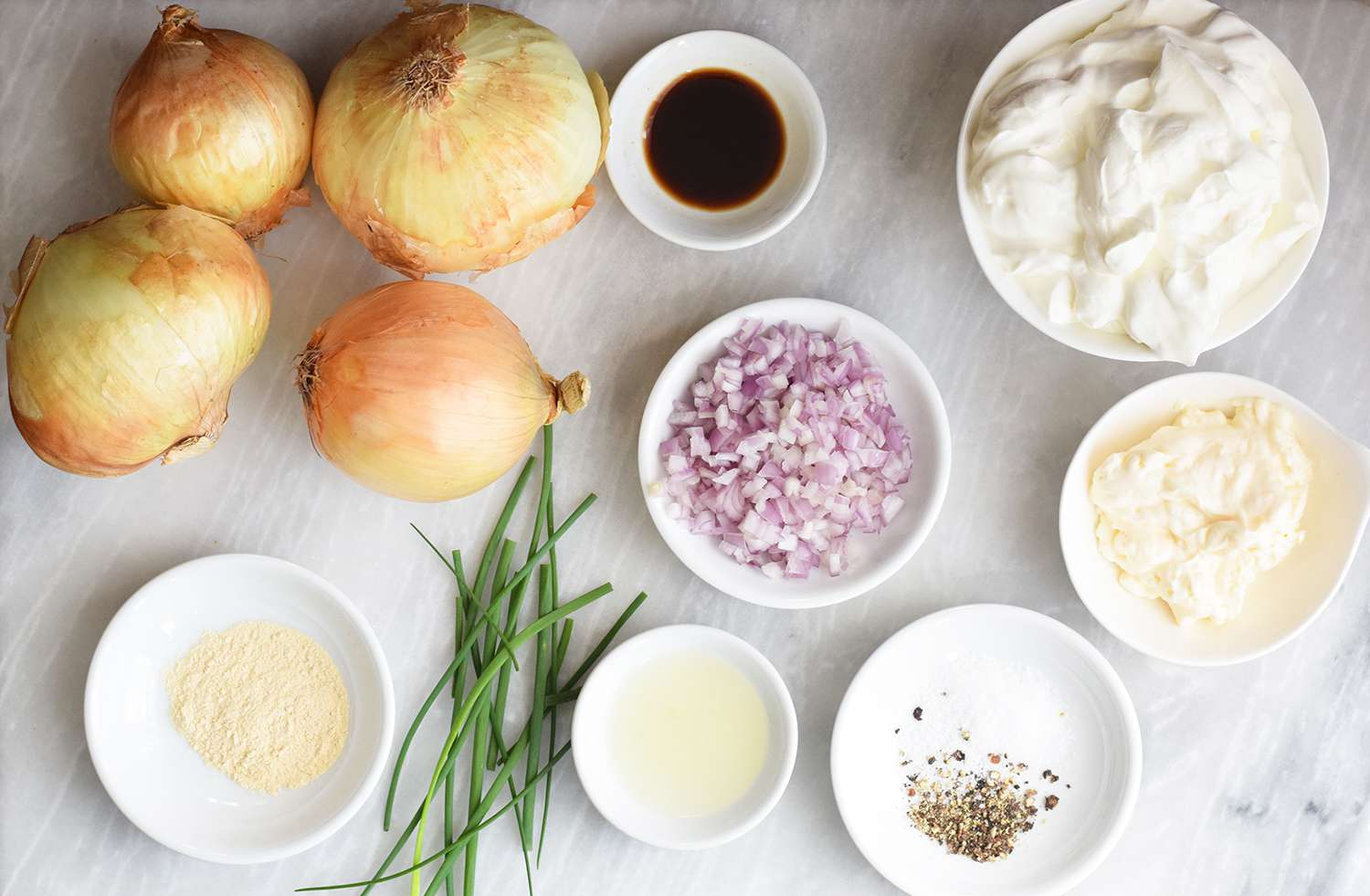 french-onion-dip-4771376-01