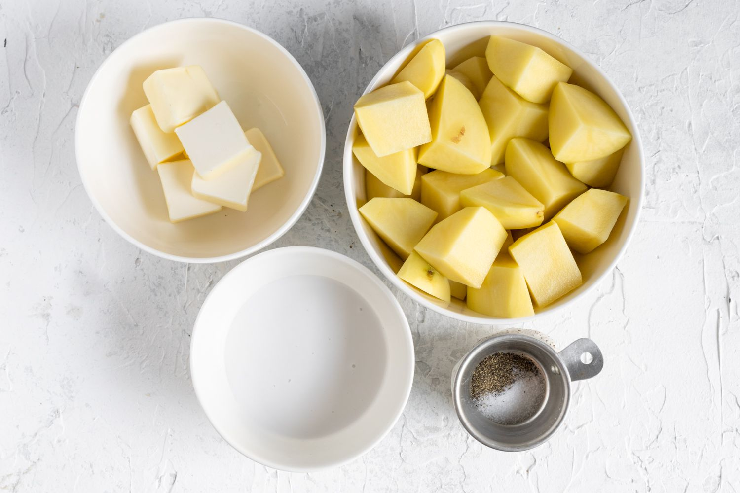 Ingredients for creamy mashed potatoes