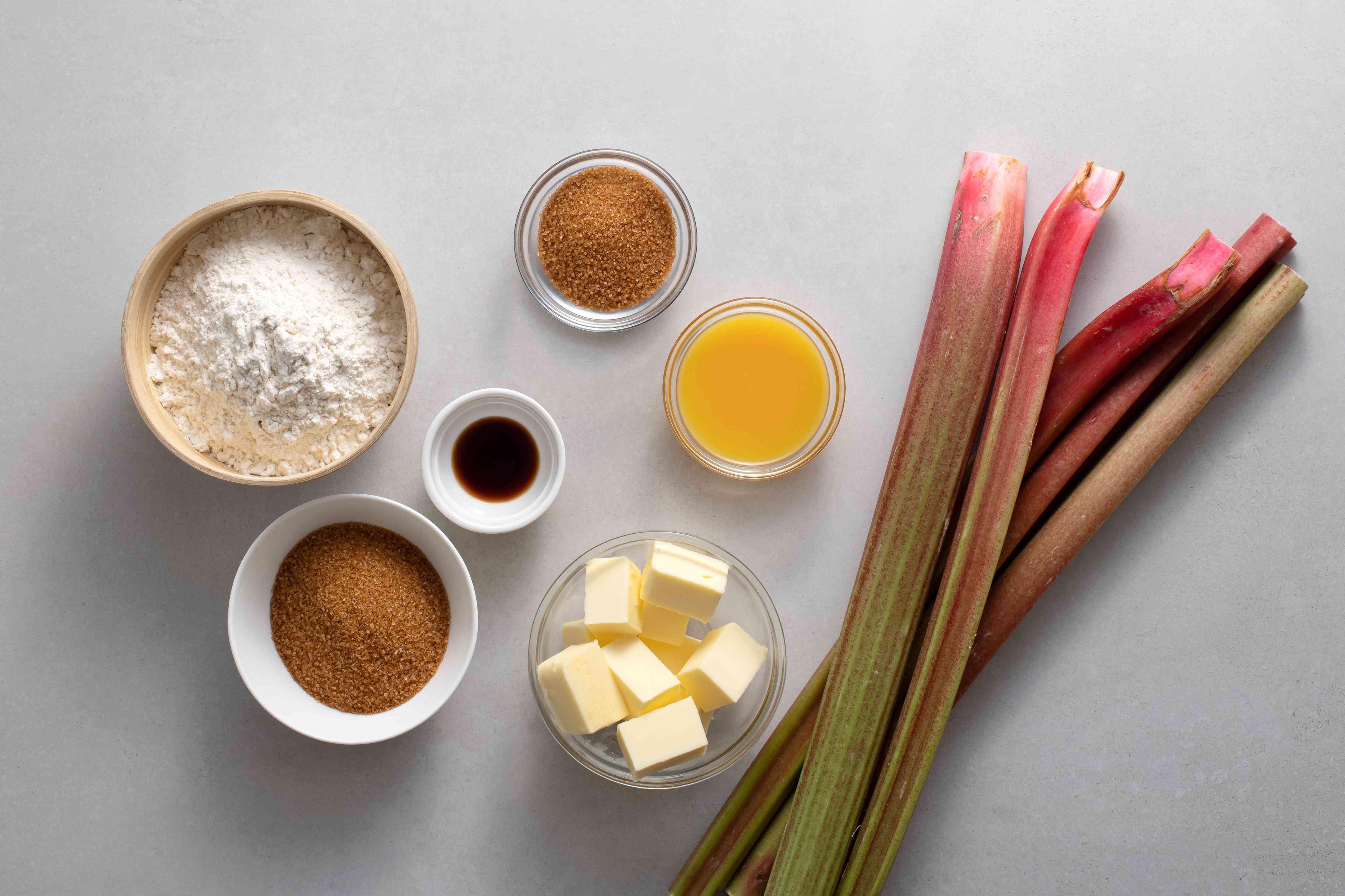 Roasted Rhubarb and Vanilla Crumble ingredients