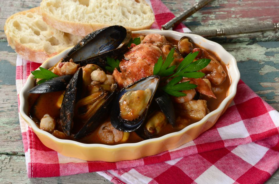 A plate of Cioppino.