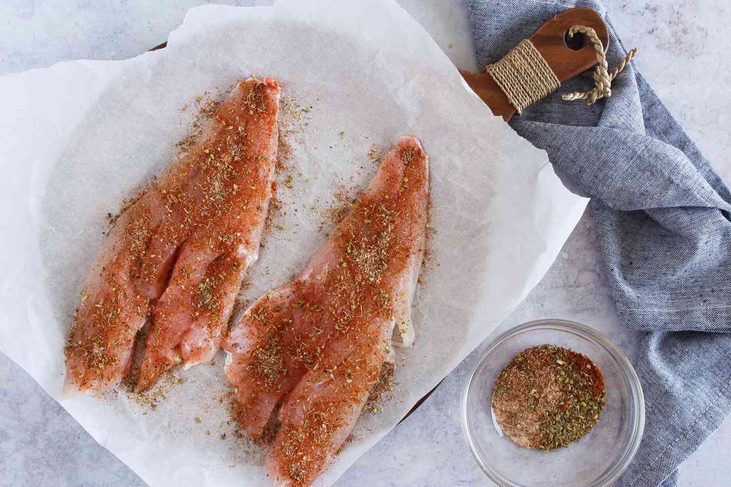 Red snapper sprinkle with spices