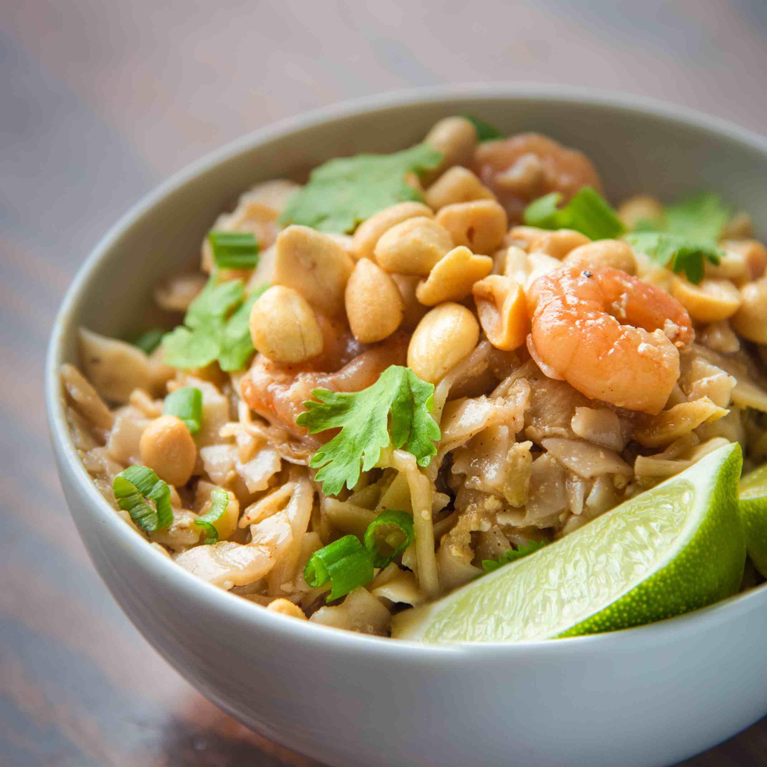 Finished Shrimp Pad Thai with garnish