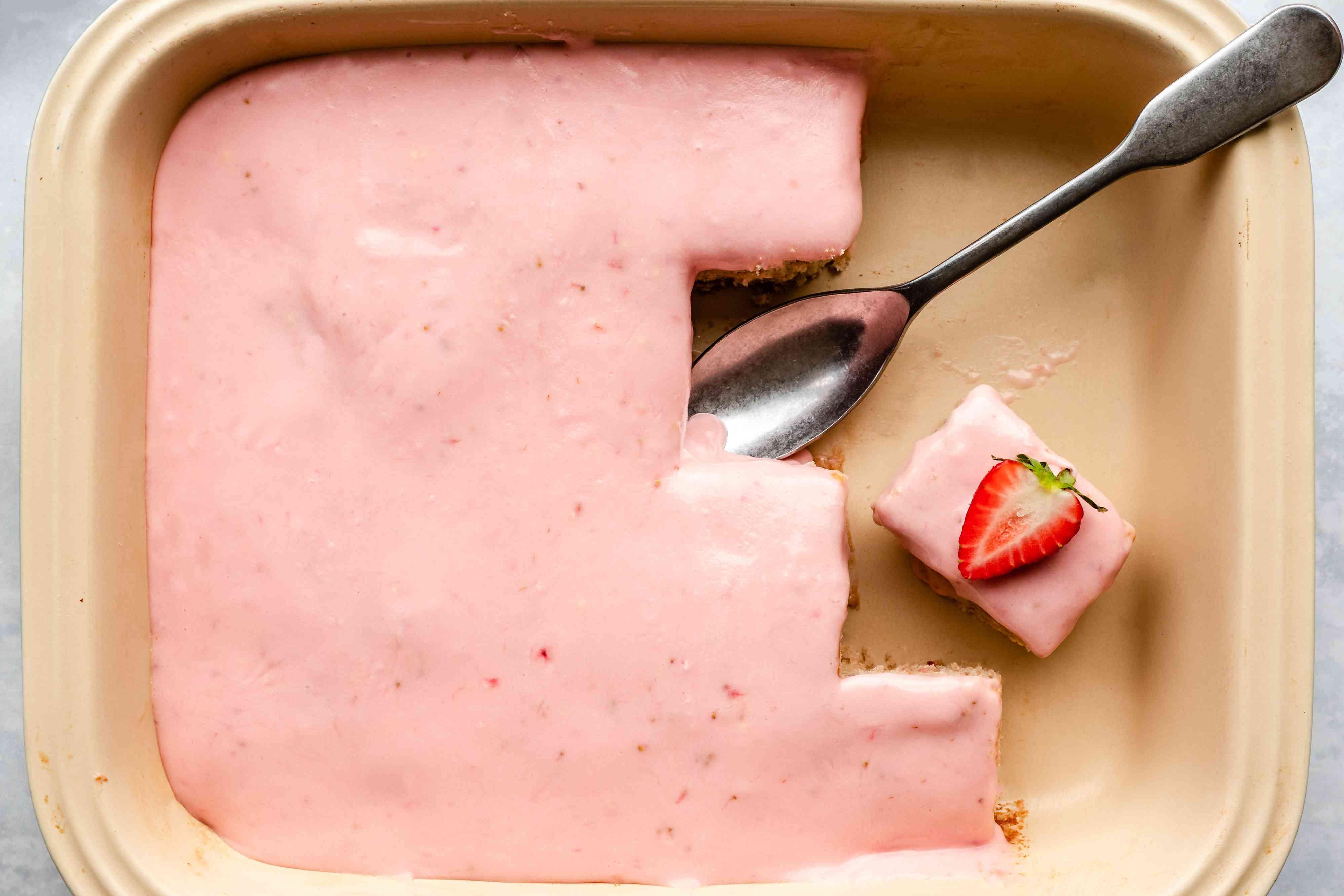Serve strawberry cake