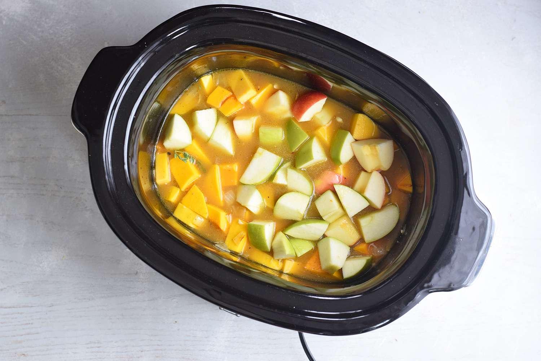 slow-cooker-butternut-squash-soup-4771456-04