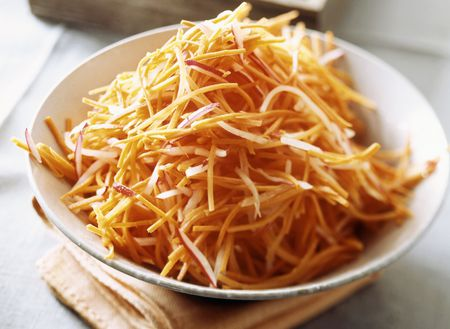 Easy no cook polish carrot salad surowka recipe shredded raw carrot forumfinder Image collections