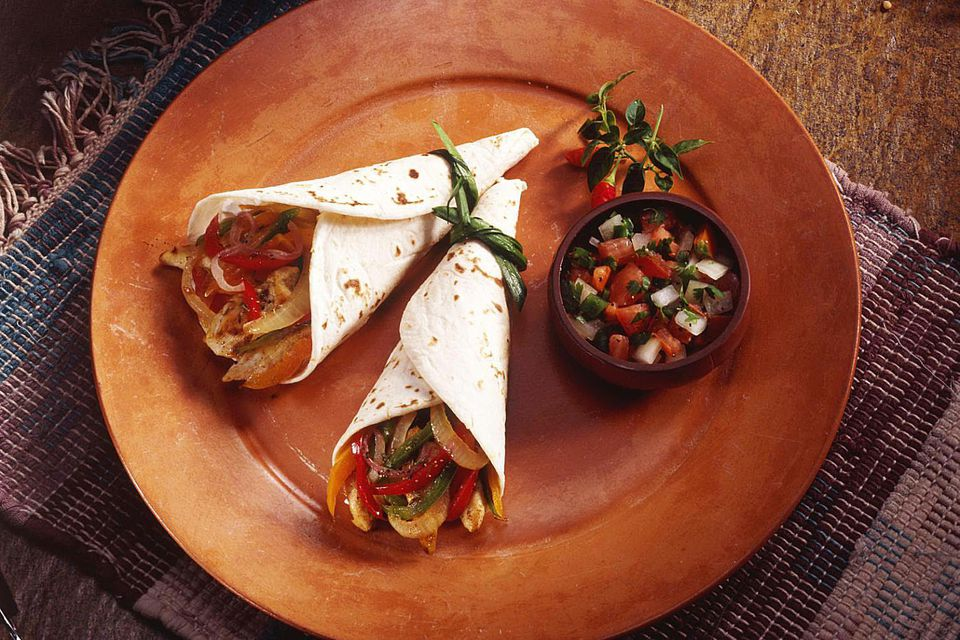 Fajitas in corn tortillas