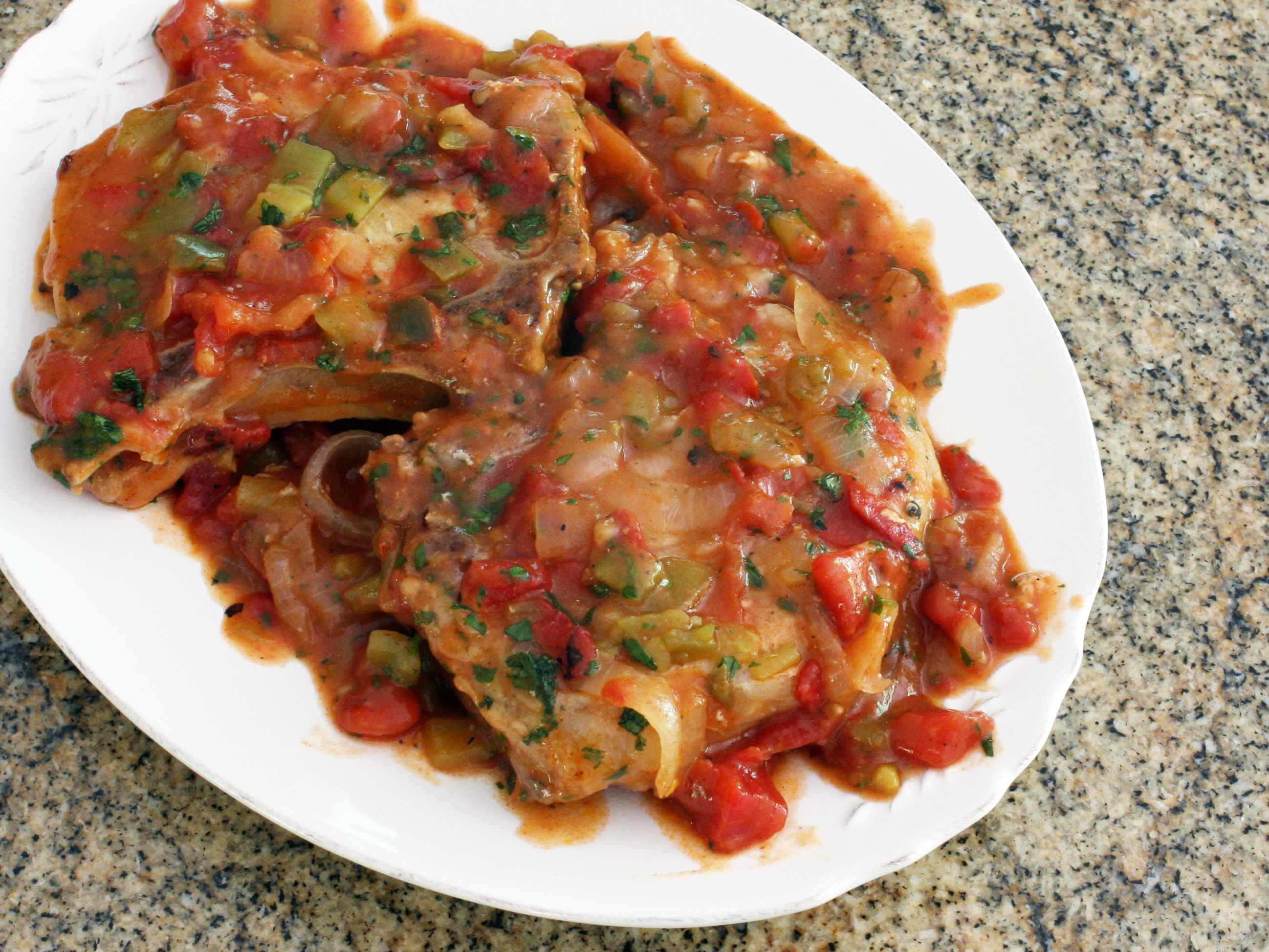 recipe for pork chops with tomatoes and peppers Spicy Shoulder Pork Chops With Tomatoes and Peppers