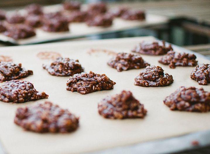 Sugar-Free Vegan Chocolate Peanut Butter Oatmeal Cookies