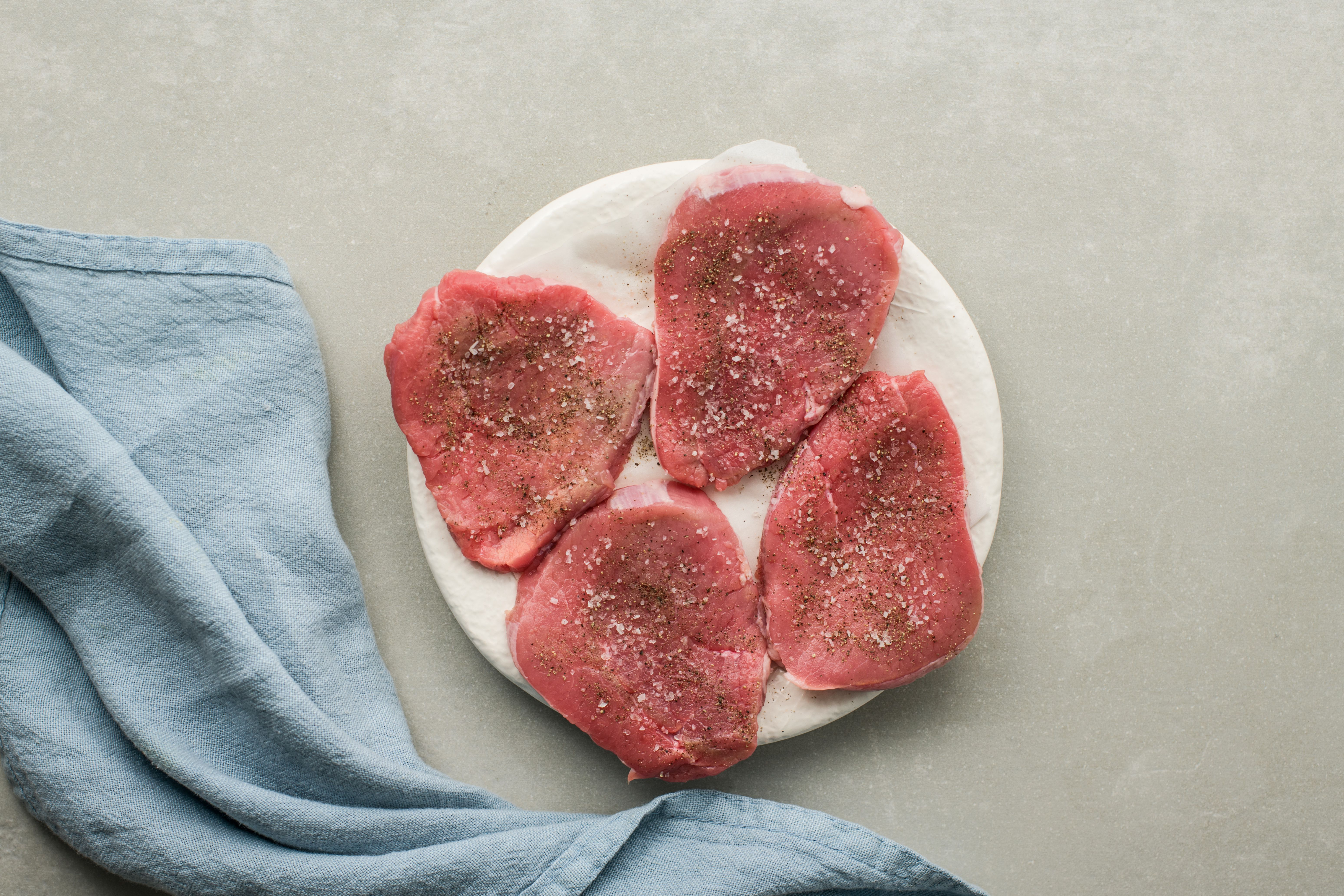 Sprinkle cutlets with salt and pepper