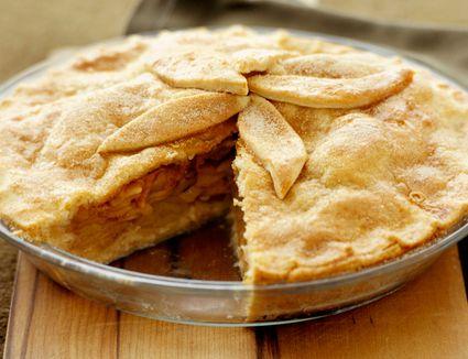 Apple Pie with Bourbon and Raisins