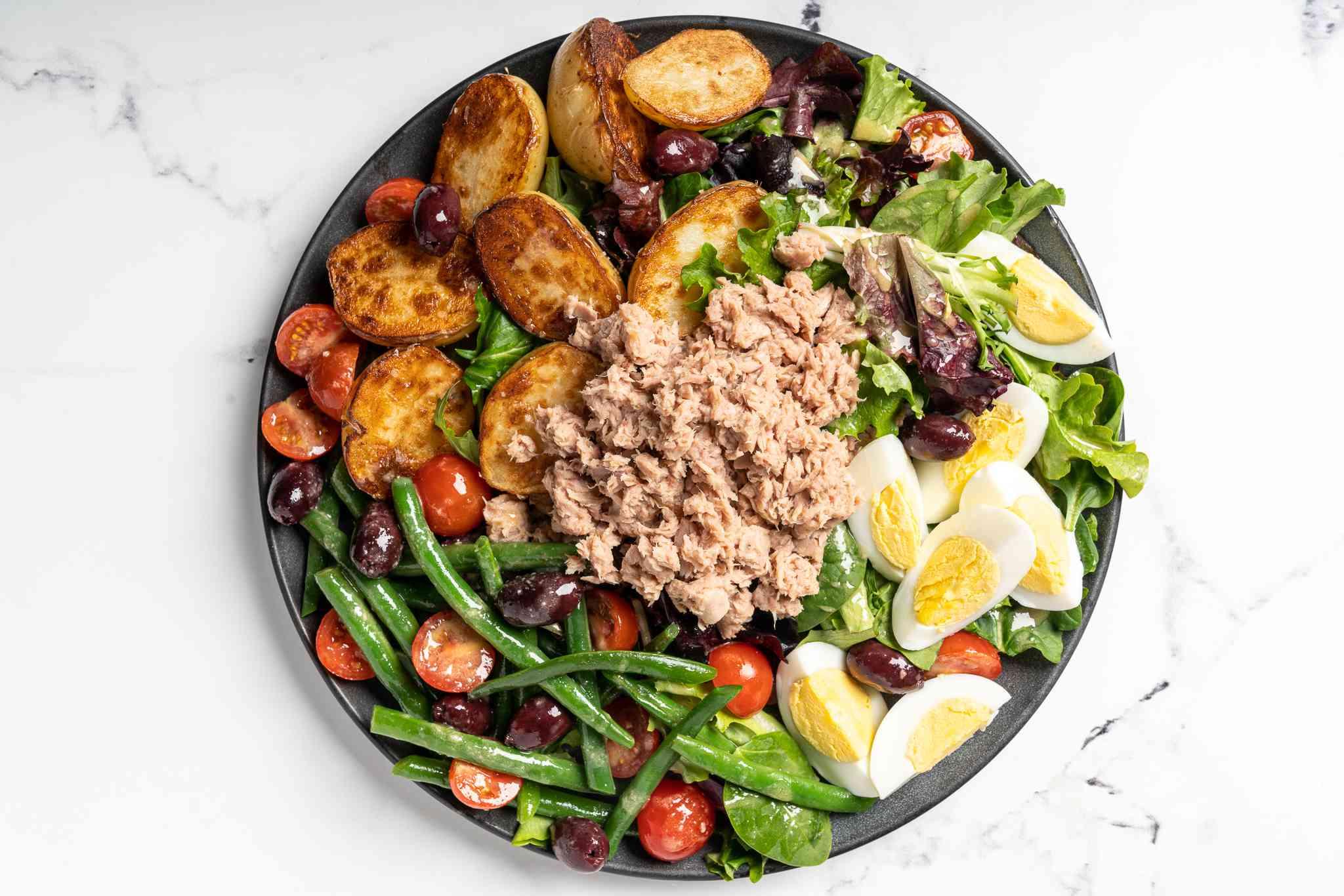 Niçoise Salad on a plate