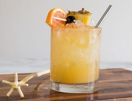 Rum Swizzle Cocktail