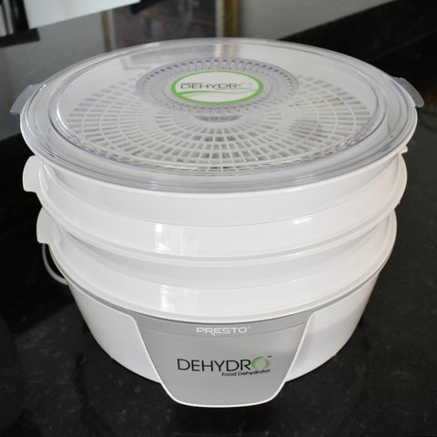 Presto 06300 Dehydro Electric Food Dehydrator See Through Cover Food Dehydrator