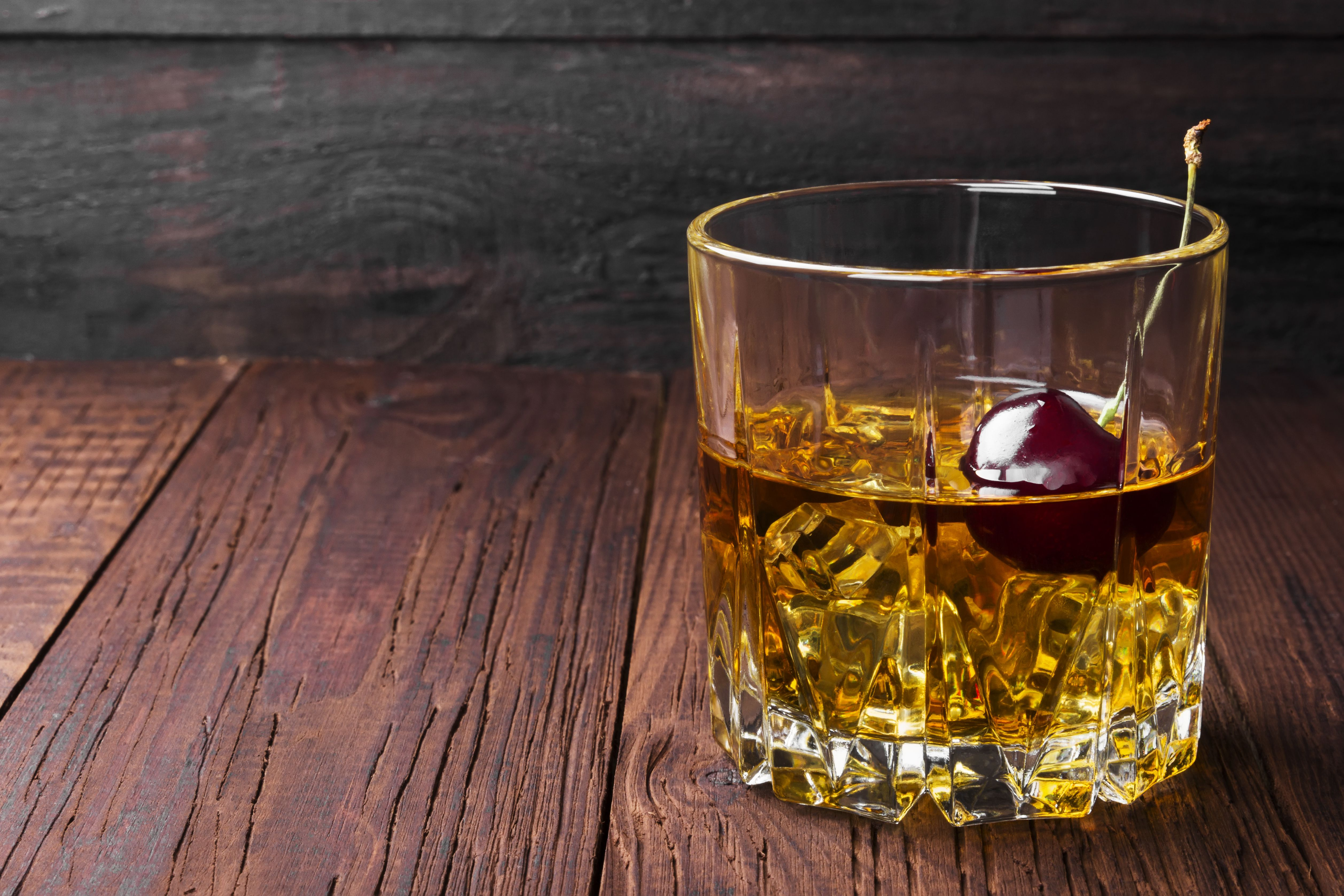 verre whisky original awesome filele tourne au verre aoc luberon chteau la canorguejpg with. Black Bedroom Furniture Sets. Home Design Ideas