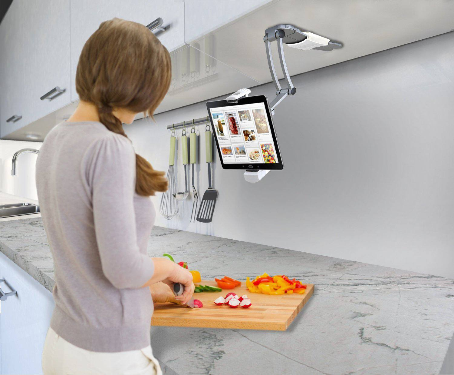 Stupendous The Best Accessories For Cooking With Your Ipad In 2019 Home Interior And Landscaping Palasignezvosmurscom