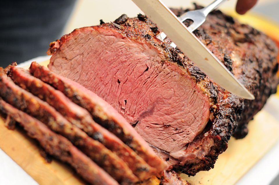 Prime rib on a platter