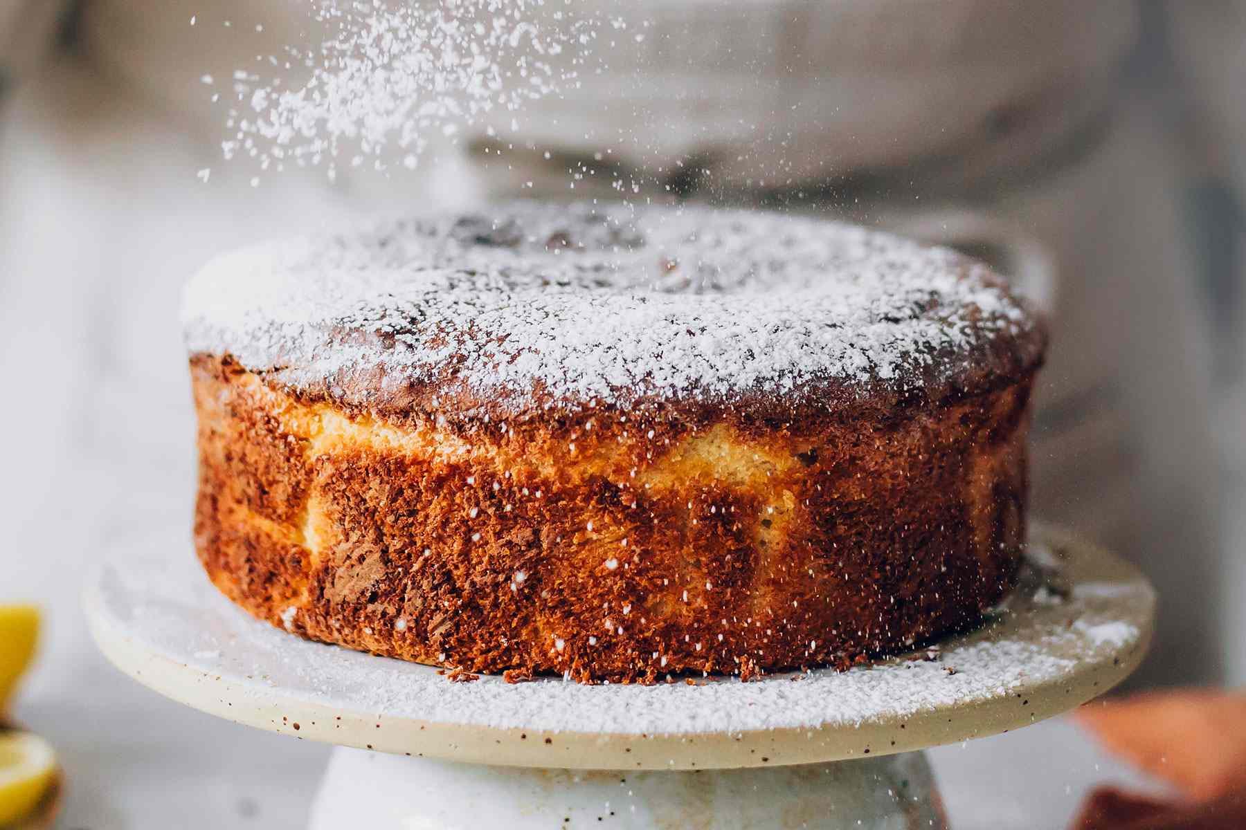 Flourless Italian almond-lemon cake dusted with sugar